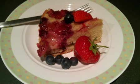 Blueberry and Strawberry Upside down cake