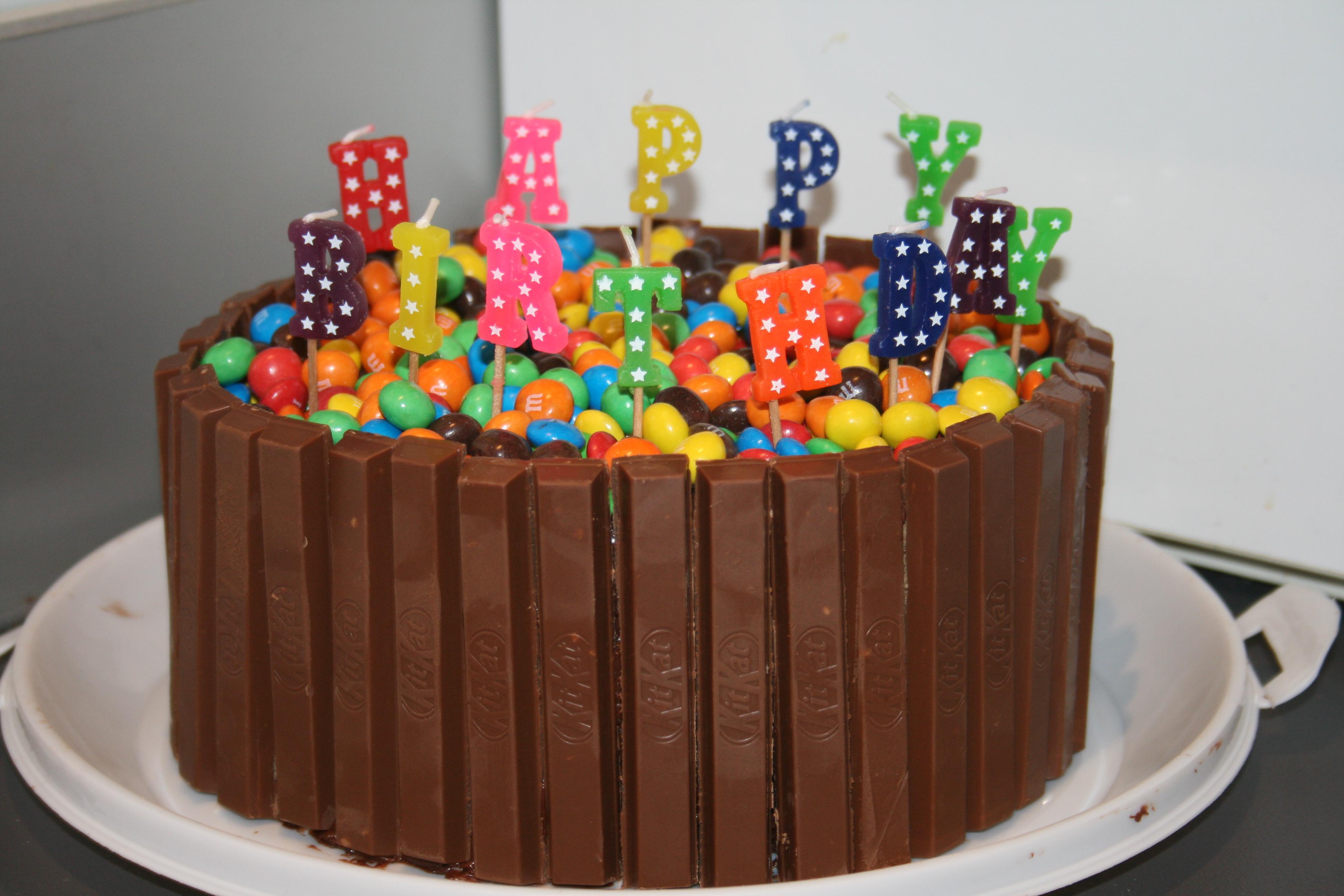 MM and Kit Kat Chocolate Cake